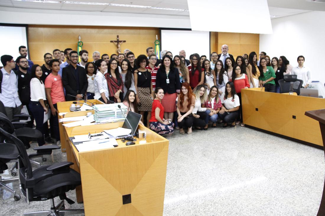 TCE Cidadão recebe mais de 100 estudantes de Direito em sessão do Pleno