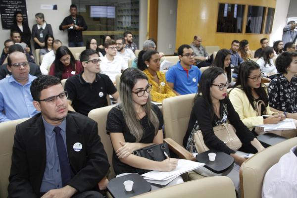 Projeto do TCE atrai estudantes de Direito para sessão do Pleno