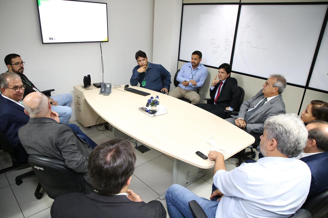 Conselheiros do TCE de Alagoas buscam ferramentas tecnológicas desenvolvidas pelo TCE/SE