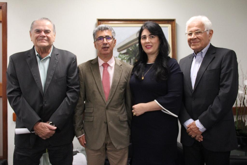 Conselheiro e diretora do TCE/SE visitam TCM de São Paulo