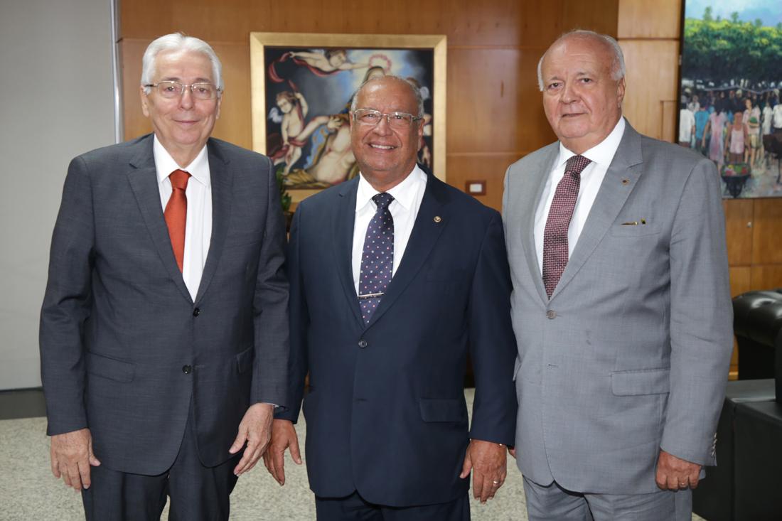 Presidente do Tribunal de Justiça de Sergipe visita o Tribunal de Contas