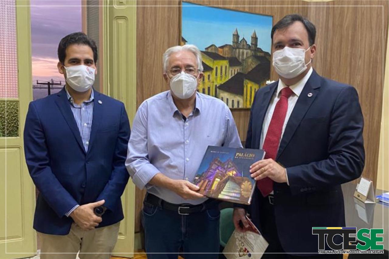 Presidente do TCE faz visita institucional à OAB Sergipe