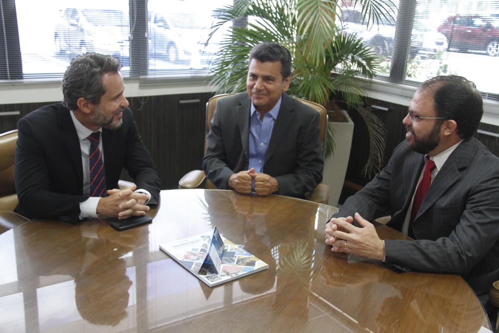 Ulices Andrade reafirma parceria do TCE com a Receita em ações fiscalizatórias